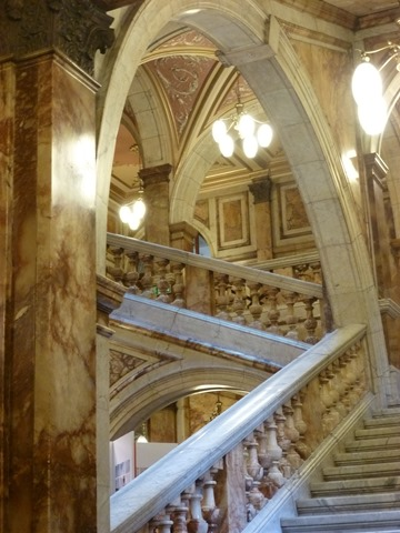 Glasgow_Council_marble_staircase_1