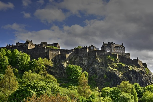edinburgh-castle_thumb.jpg